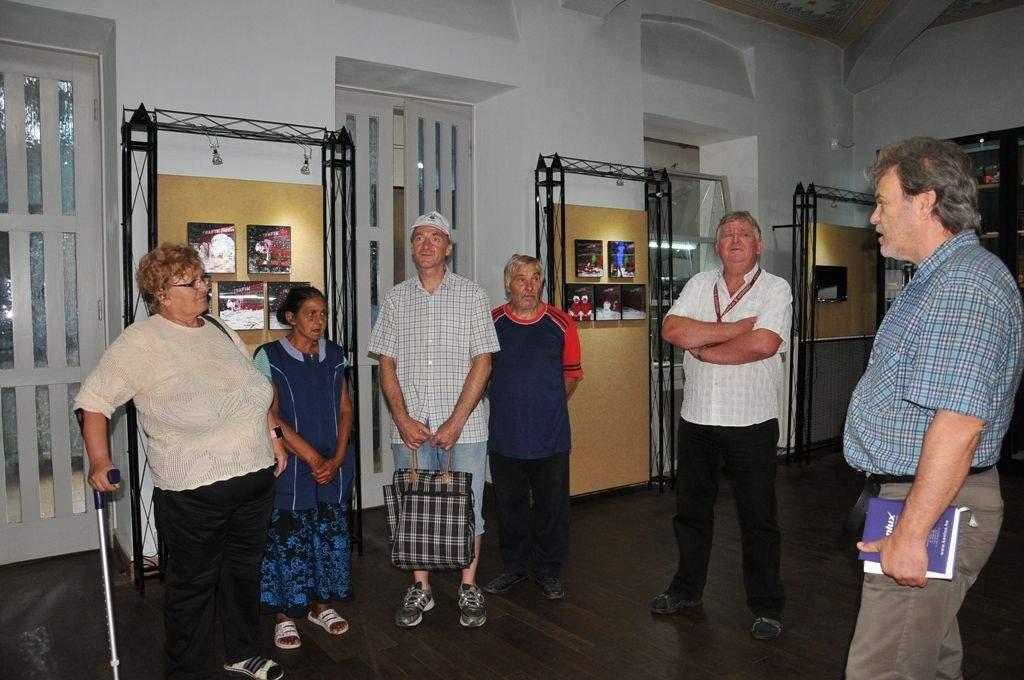 Fotómúzeumban járt a Wojtyla Ház családja