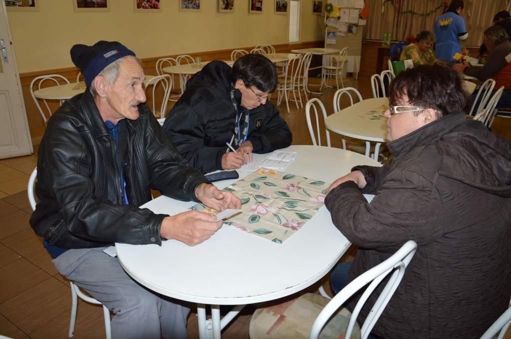 Szociális munkás foglalkozott a gondozottakkal szombaton a Wojtyla Házban
