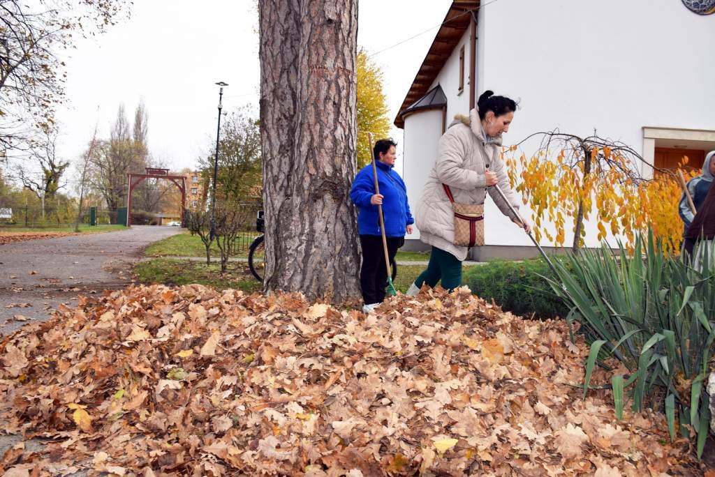 Adventre várva: őszi területrendezési munkálatok zajlanak a műkerti Assisi Szent Ferenc kápolna környezetében