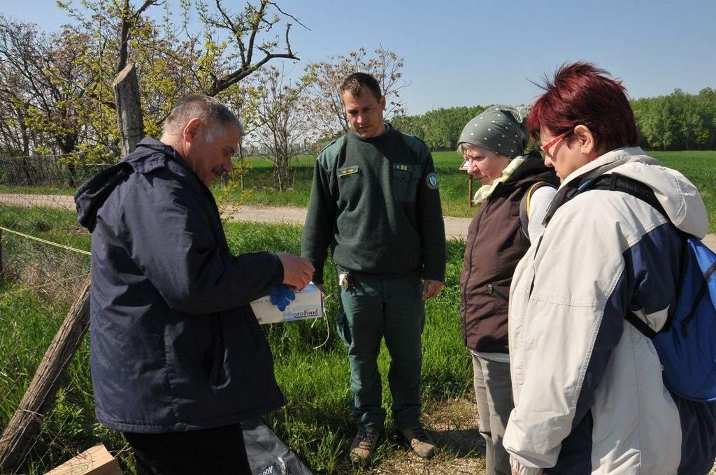 50 zsák szeméttel kevesebb a Kiskunsági Nemzeti Parkban – Hulladékot gyűjtöttek a Porta Egyesület és a Wojtyla Ház aktivistái