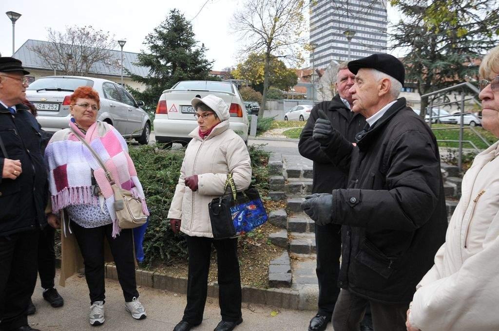 Elvarázsolta Veszprém a Wojtyla Barátság Központ nyugdíjasait