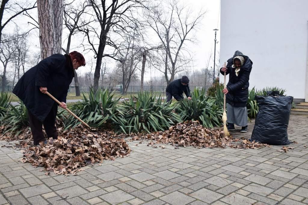 Kertészkedtek a műkerti Assisi Szent Ferenc kápolnánál