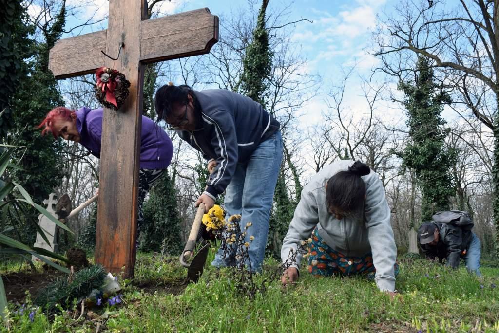 Újra rendben Révész István síremléke