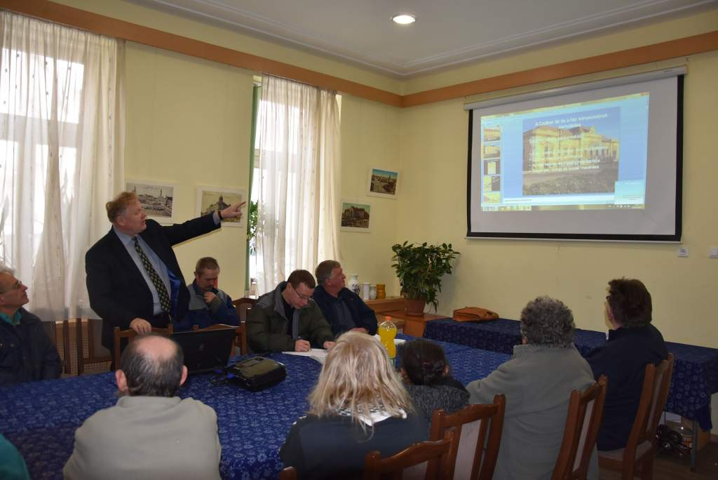 Czollner téri lakhelyéről mesélt Ács Imre tanár úr a Wojtyla Házban