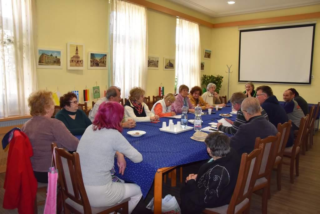 Programdömping a Wojtyla Nyugdíjas Klubban