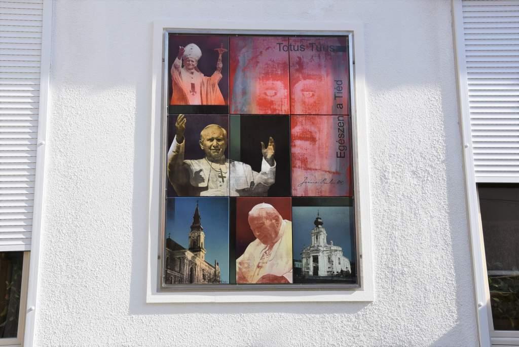 Szent II. János Pál pápa, könyörgünk hozzád!