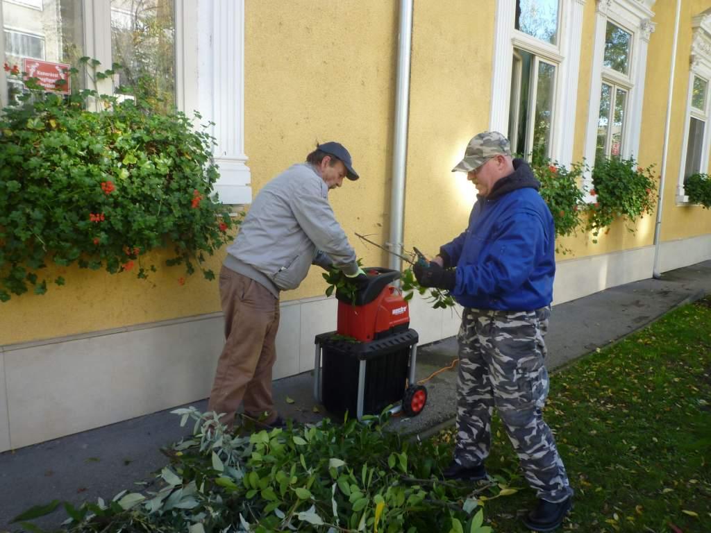 Ágaprító-komposztáló berendezést vásárolt a Porta Egyesület
