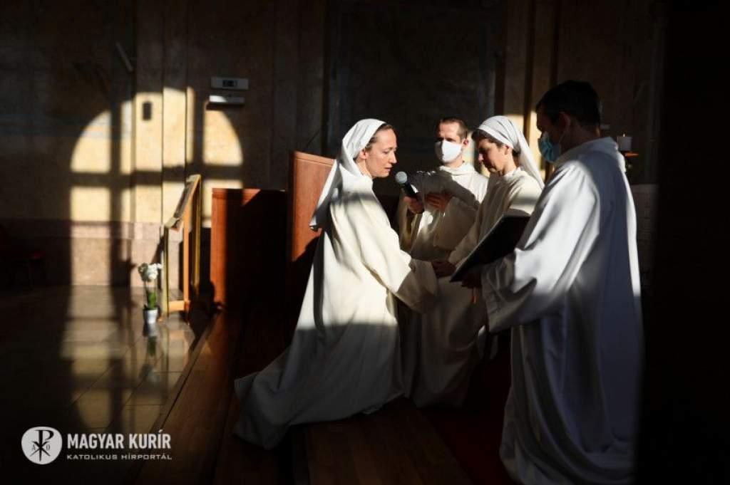 Boldogok, akik hittek az ígéretnek – Nyolc Boldogság Közösség, a megszentelt élet egyházi családja