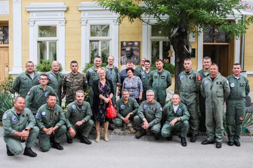 Lengyel pilóták a Wojtyla Házban