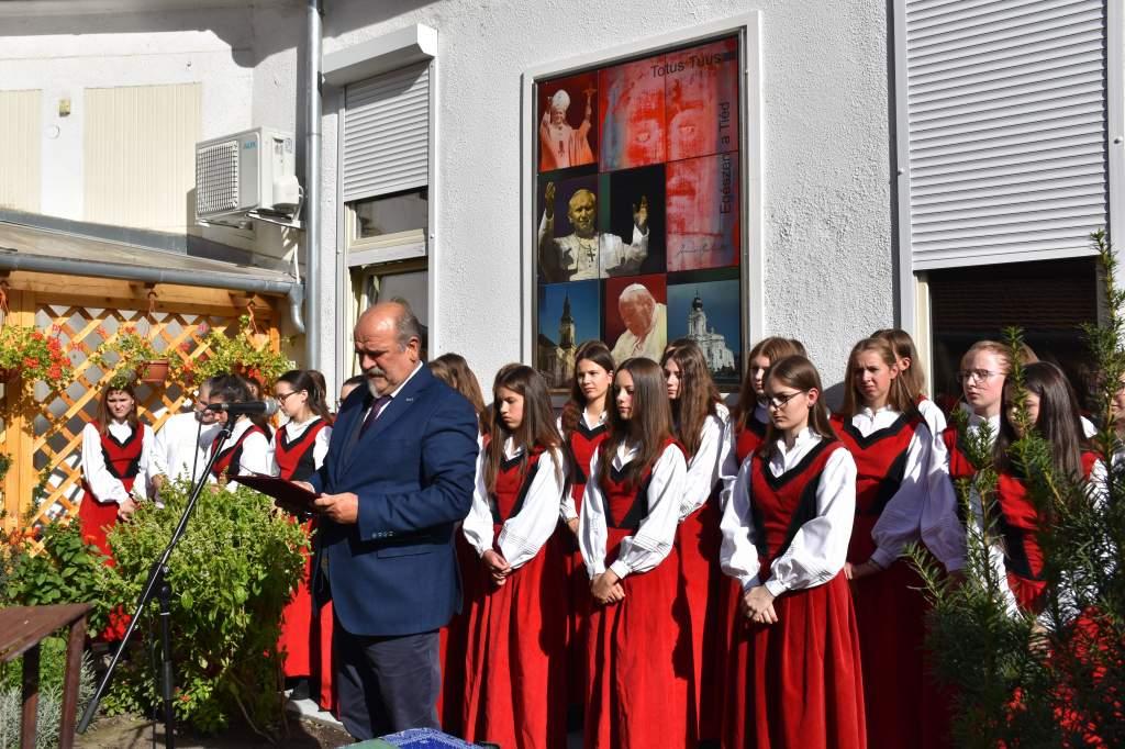 Ewa Filipiak átvette az Assisi Szent Ferenc-emlékdíjat