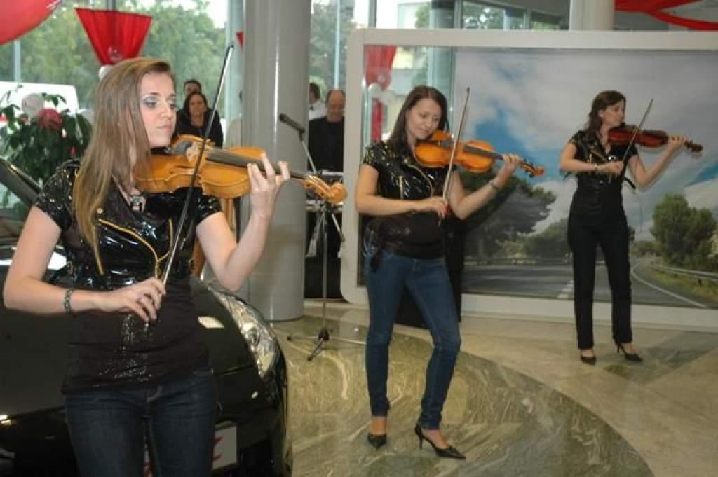 Porta delegáció a Hovány Nissan Budapesti szalon megnyitóján