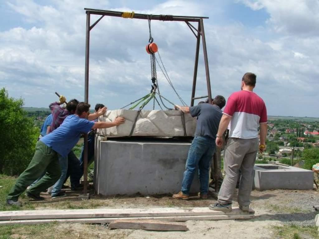 Megújult a dunaföldvári Kálvária-szoborcsoport