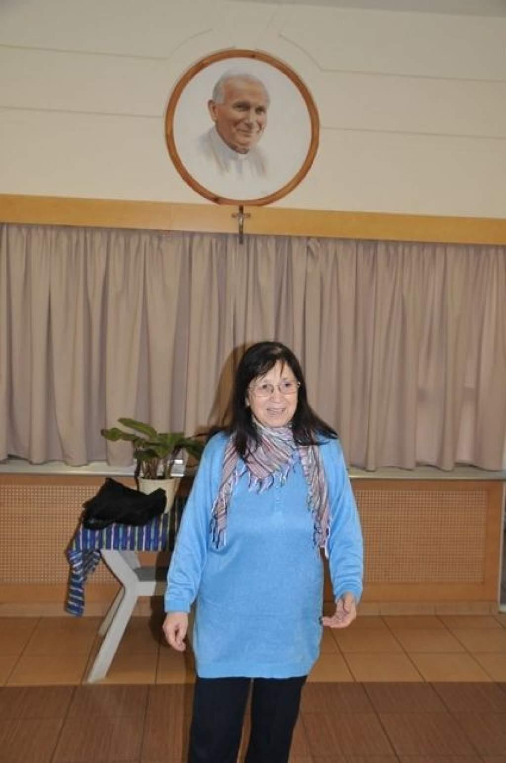 Énekóra a Wojtyla Házban: Pálinkásné Kócsó Máriával készülnek a Wojtylások Nemzeti ünnepünkre