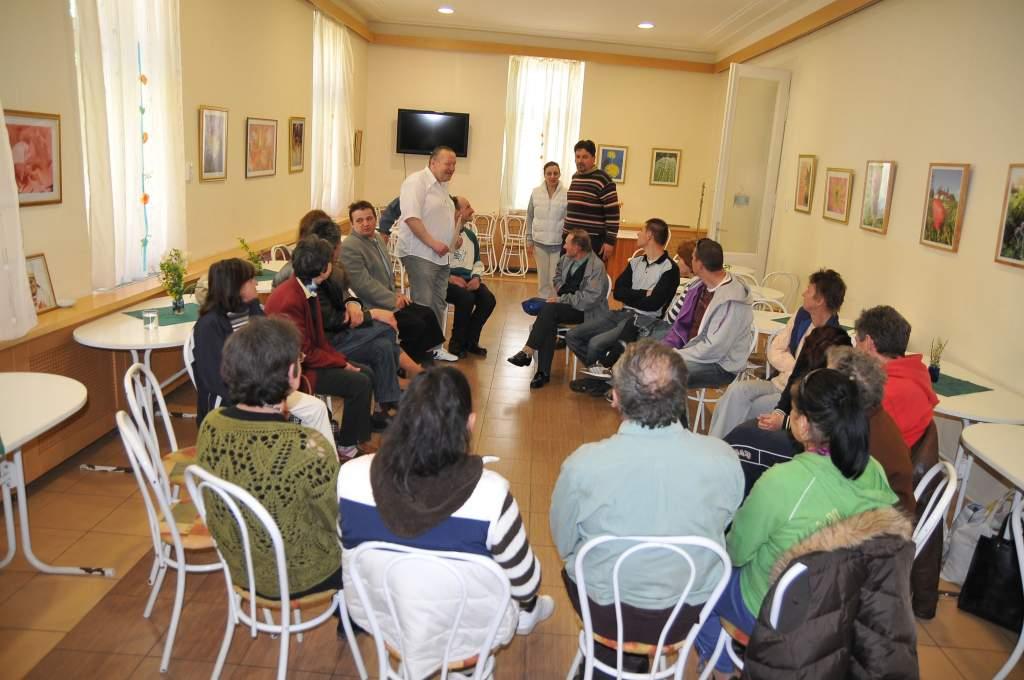A Magyar Kékkereszt Egyesület nyújtott lelki segítséget a Wojtyla Ház gondozottjainak