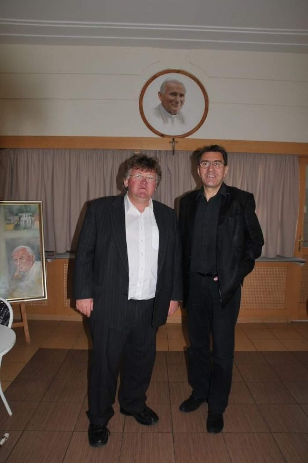 Eperjes Károly színművész tartott hitvalló előadást a Wojtyla Ház udvarán