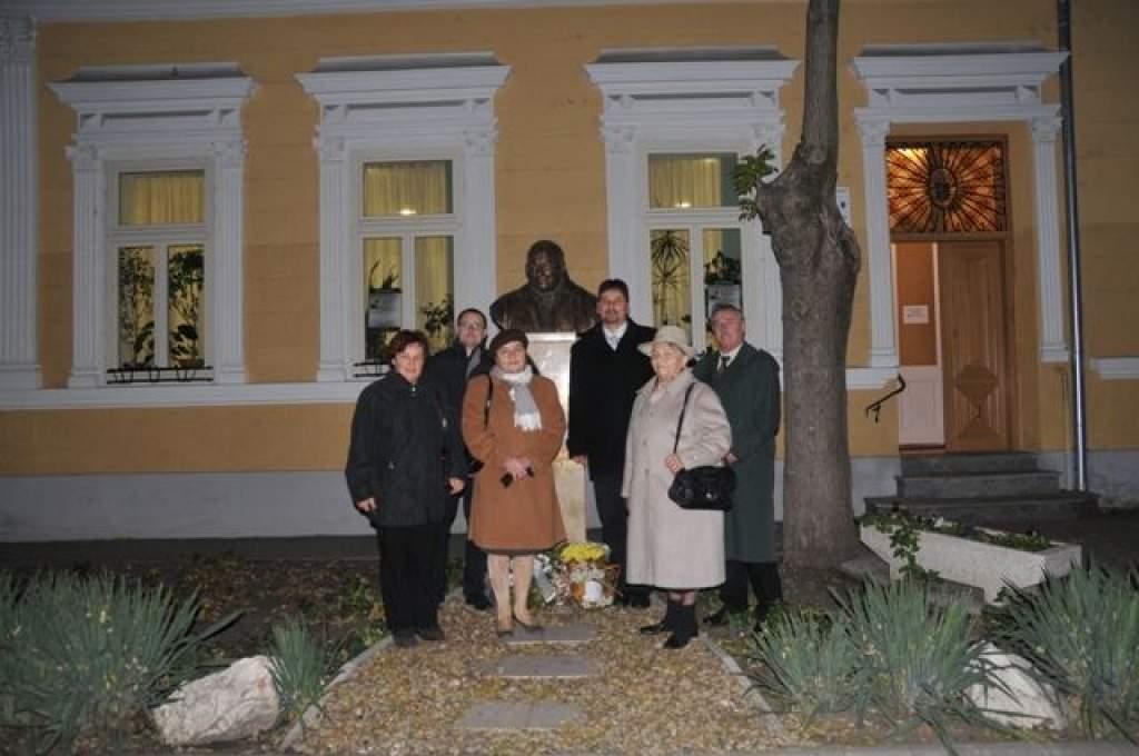 Ferences Akadémia: egykori kecskeméti plébánosra, Révész Istvánra emlékezett a közösség-Videó