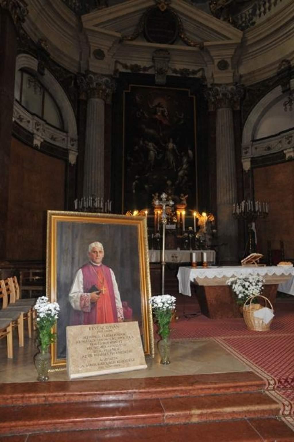 Révész István emlékmise és emléktábla avató a Nagytemplomban