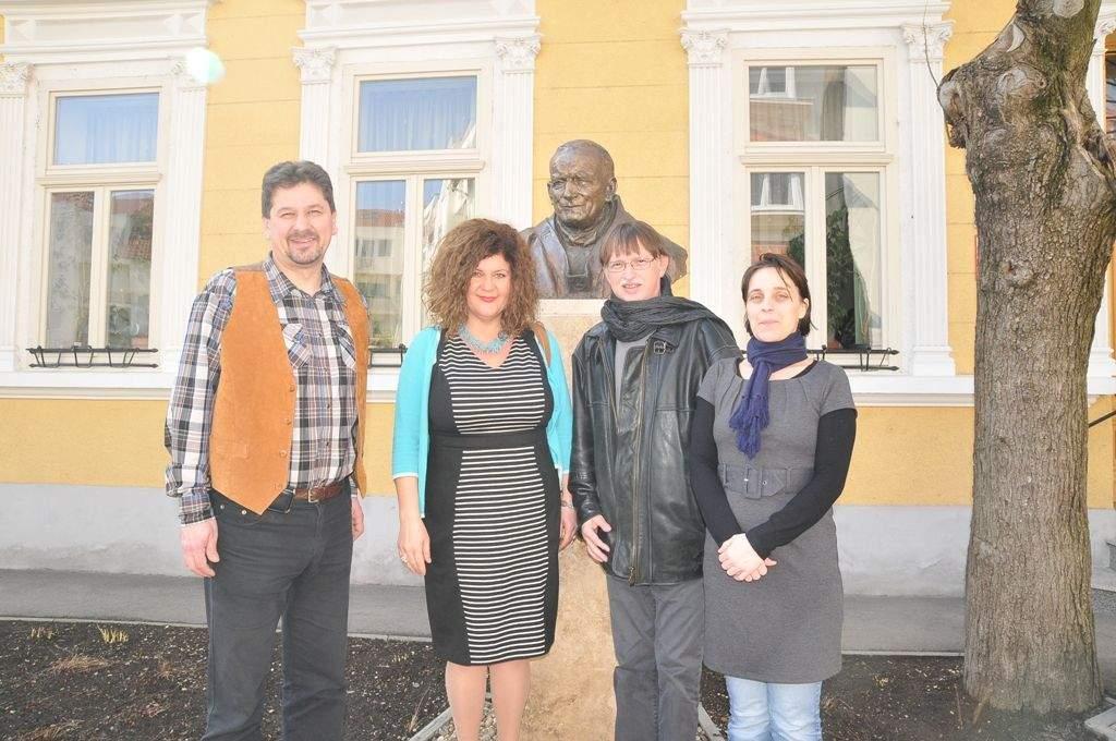 Soma Mamagésa sok-sok ajándékkal érkezett a Wojtyla Házba