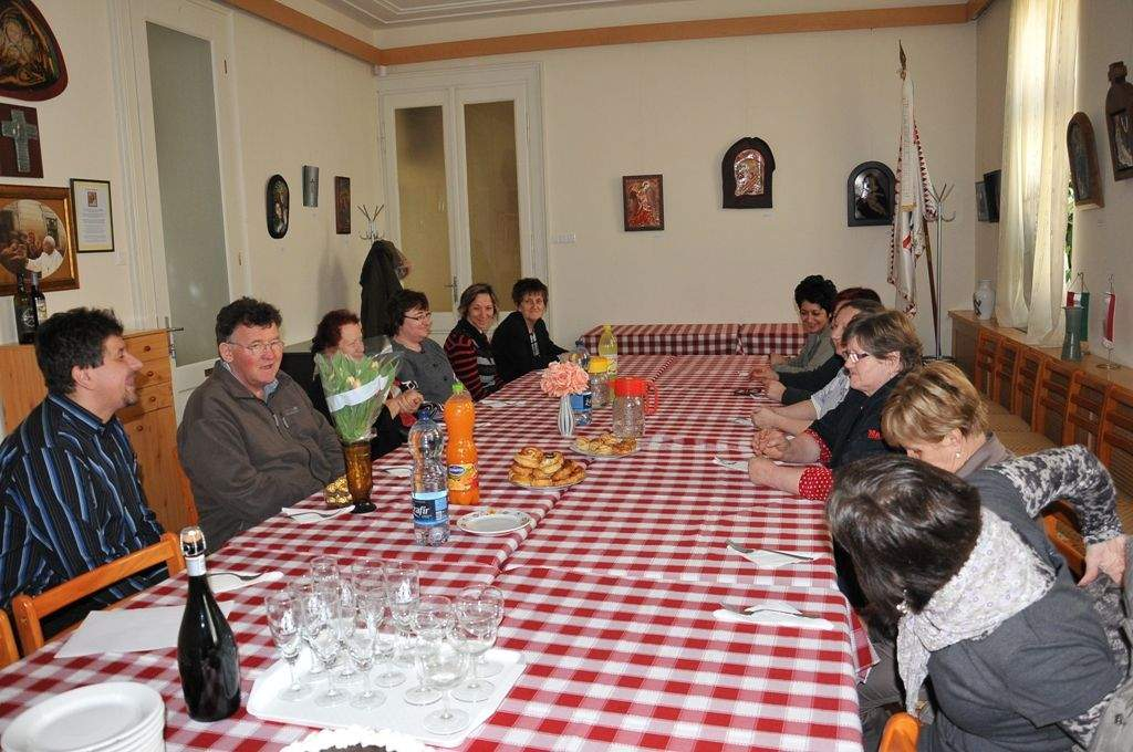 Nőnapot és Zoltán névnapot ünnepelt a Wojtyla Ház kollektívája